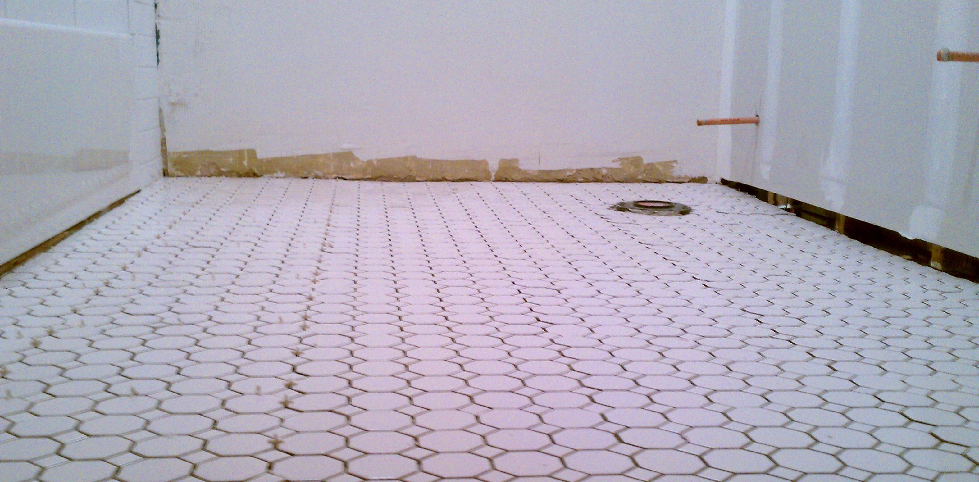 How do i tile my bathroom floor bathroom floors replacing your own bathroom tile yahoo voices voicesyahoo doublecrazyfo Images